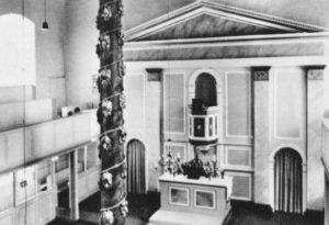 Kirche, Blick zum Altar, Postkarte (Ausschnitt)