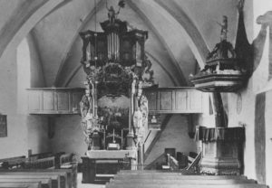Kirche, Blick zum Altar, vor 1960