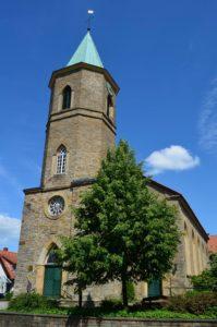 Kirche, Ansicht von Südwesten, Foto: Bodo Boehnke