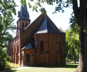 Fintel, Kirche, Ansicht von Südosten