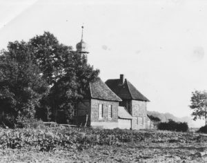 Hospital (Armenhaus) mit Kapelle (links vorn), Außenansicht