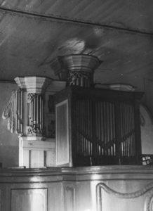 Orgelprospekt von 1792/93 im Hintergrund, davor Orgelpositiv, nach 1952, vor 1961
