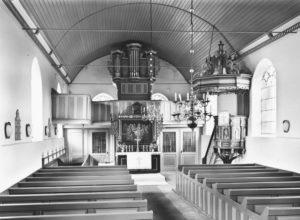 Kirche, Blick zum Altar, nach 1961