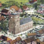 Kirche, Ansicht von Südwesten, Luftbild, 1970