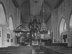 Kirche, Blick zum Altar und zur Orgel, 1930
