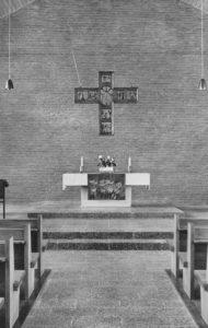 Kirche, Blick zum Altar, 1964