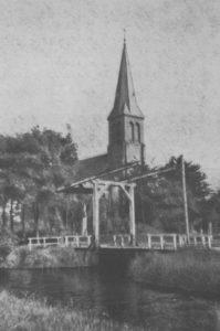 Kirche, Ansicht von Nordwesten, vor April 1945, Postkarte
