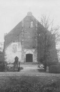 Wiederaufgebaute Kirche, Ansicht von Westen, vor 1955