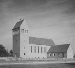 Kirche, Ansicht von Südwesten, 1956, Foto: Ernst Witt, Hannover