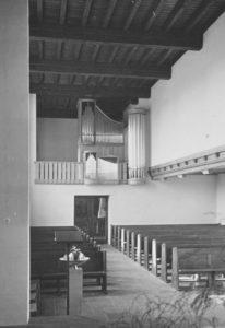 Kirche, Blick zur Orgel, 1956, Foto: Ernst Witt, Hannover