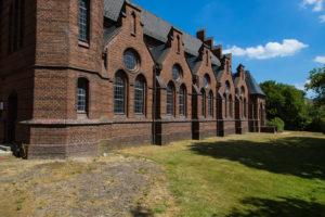 Kirche. Südfassade