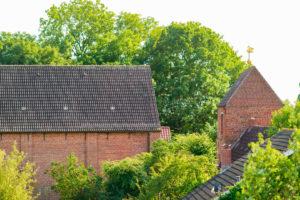 Kirche und Turm, Nordansicht