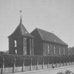 Kirche, Außenansicht, Foto: Ernst Witt, Hannover, Juni 1954