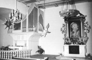 Kirche, Blick zum Altar und zur Orgel, vermutlich 1977