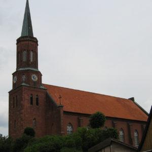 Kirche, Ansicht von Südwesten, Foto: Ernst Günther Behn, Klein Gußborn 2009/10 (gemeinfrei)