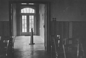 Gemeindehaus, Kirchsaal, Blick zum Haupteingang