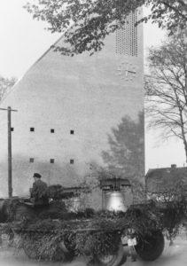 Kirche, bzw. Glockenturm, Ansicht von Nordwesten