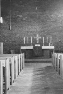 Kirche, Blick zum Altar, vor 1990