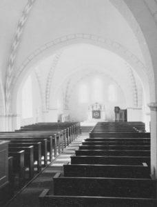 Kirche, Blick zum Altar, Foto: Ernst Witt, Hannover, September 1964