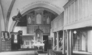 Kirche, Blick zum Altar und zur Orgel, vor 1961