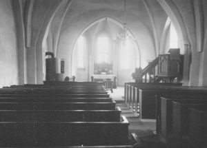Kirche, Blick zum Altar, Foto: Ernst Witt, Hannover, Juli 1952