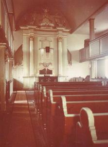 Kirche, Blick zum Altar, Foto: Ernst Witt, Hannover, Oktober 1954