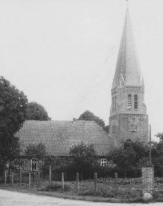Kirche, bzw. Glockenturm, Ansicht von Nordwesten, 1943