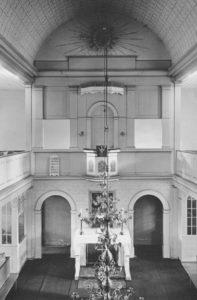 Kirche, Blick zum Altar, Foto: Ernst Witt, Hannover, Mai 1952