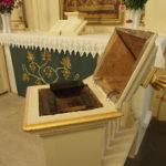 Schwarme, Altar, Armenblock