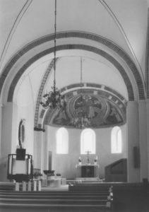 Kirche, Blick zum Altar, nach 1956 bzw. nach 1969, vor 1985 bzw. vor 1974
