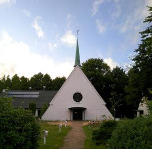 Kirche, Ansicht von Süden, 2020, Foto: Wolfram Kändler, CC BY-SA 3.0 de