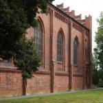 Kirche, Südfassade und Ostgiebel, 2020, Foto: Wolfram Kändler, CC BY-SA 3.0 de