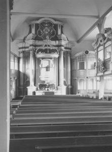 Kirche, Blick zum Altar, Foto: Ernst Witt, Hannover, September 1955