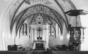 Blick in den Chorraum, nach 1964