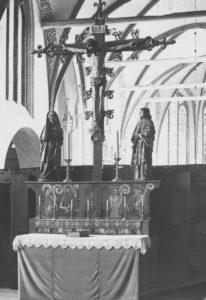 Kirche, Nonnenempore, Kreuzigungsgruppe