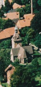 Kirche, Ansicht von Südosten, Luftbild, um 2000