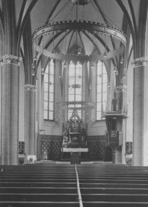 Kirche, Blick zum Altar, 1941