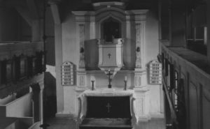Kirche, Blick zum Altar, um 1953