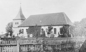 Kirche und alter Glockenturm, Ansicht von Südosten, vor 1902