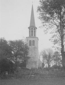 Kirche und neuester Turm, Ansicht von Westen, Foto: Ernst Witt, Hannover, 1956