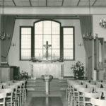 Kirche, Blick zum Altar und zur Orgel