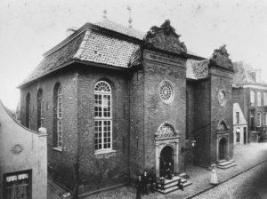 Alte Kirche, Außenansicht, vor 6./7. Juni 1942