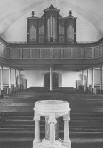 Kirche, Blick zur Orgel, Foto: Ernst Witt, Hannover, 1950