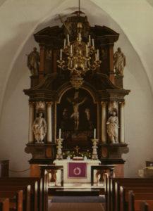 Kirche, Blick zum Altar, um 1980